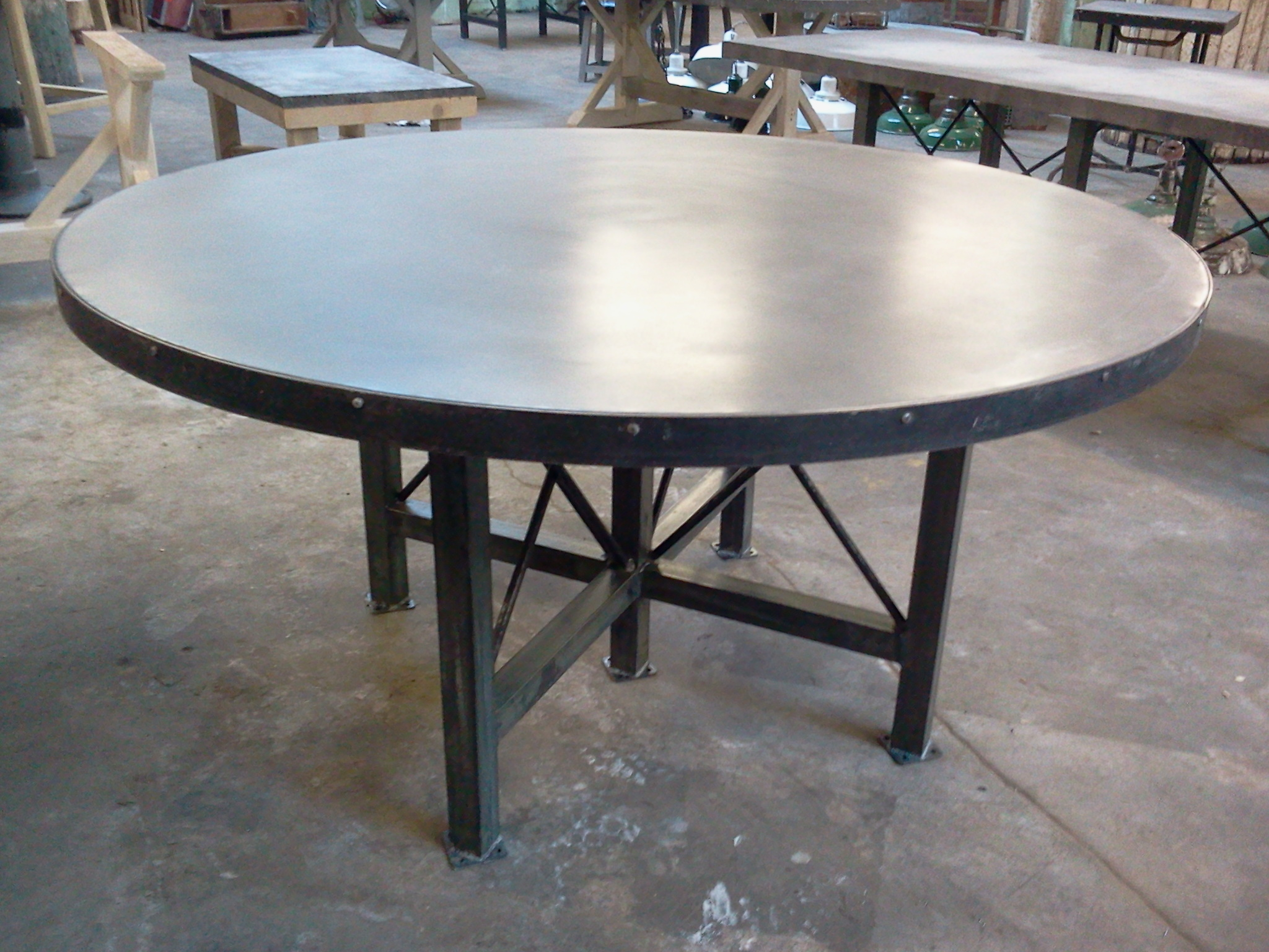 big round zinc table