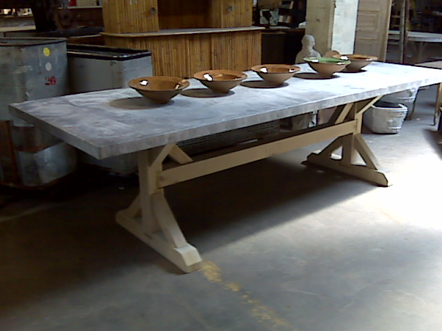 Genial Zinc Top Table Cedar Sawbuck Base. IMG00281